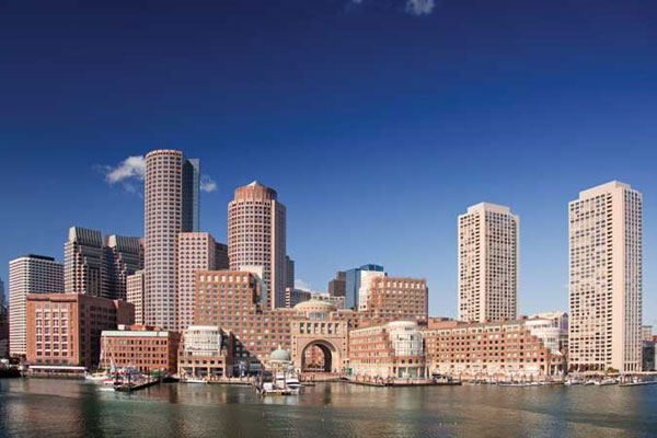 Observe the spectacular Boston skyline