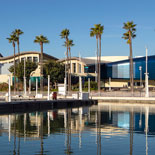 Aquarium of the Pacific is designed to mimic the lofty waves of the ocean, © 2019 Tom Bonner