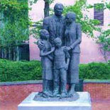 View monuments honoring those who defended Savannah and commemorate the struggle.